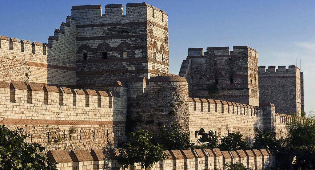 Theodosius Şehir Surları